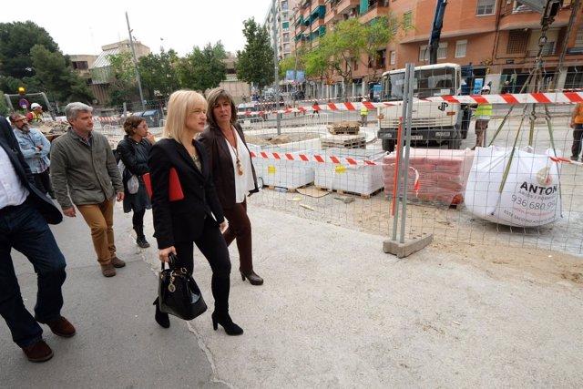 Las alcaldesas de L'Hospitalet, Núria Marín, y de Esplugues, Pilar Díaz