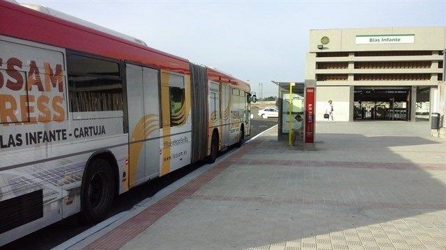 Autobús de Tussam Exprés.