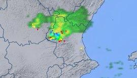 Una tormenta deja lluvia, rayos, rachas de viento de 74 kilómetros y un descenso de diez grados en Utiel