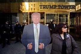 Una ONG amplía la demanda contra Trump por aceptar pagos de gobiernos extranjeros en sus restaurantes