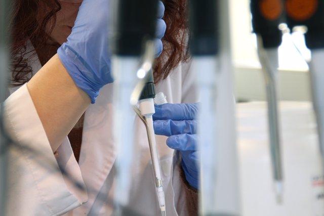 Laboratorio, biopsia líquida