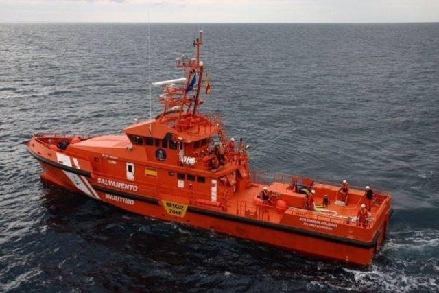 Salvamento Marítimo busca una patera