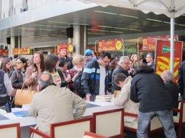 Barcelona tendrá 3.900 paradas de rosas y 923 de libros y descongestionará la Rambla Catalunya