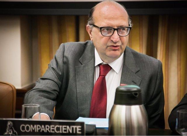 El presidente del Tribunal de Cuentas, Ramón Álvarez de Miranda, en el Congreso