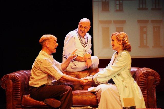 Juan Carlos Gáres, Chema Cardeña e Iria Márquez en 'Shakespeare en Berlín'