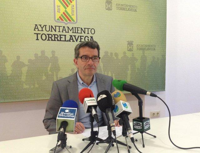 El concejal de Economía y Hacienda de Torrelavega, Pedro Pérez Noriega (PRC)