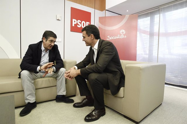 Pedro Sánchez y Patxi López
