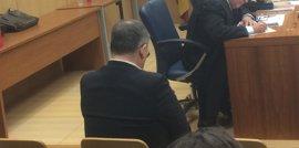 Cárcel para el médico de València acusado de sacar cajas de viagra del hospital para su tío muerto