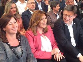 Susana Díaz, Pedro Sánchez y Patxi López, en el acto de despedida a Chacón