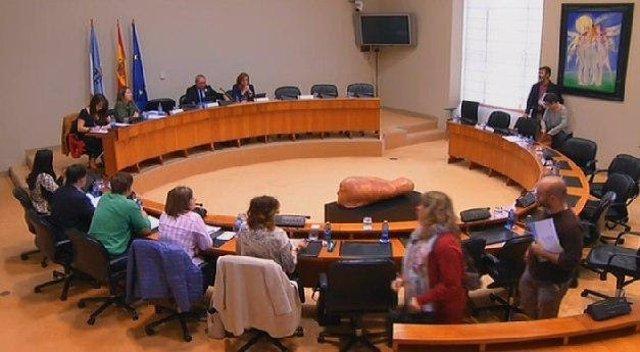 Diputados de la oposición abandonan la comisión