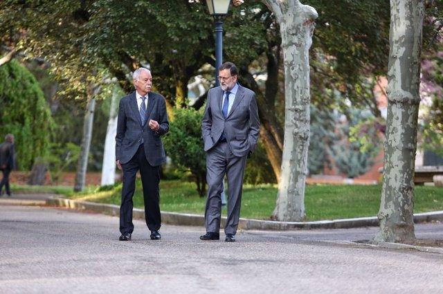 Mariano Rajoy y Eduardo Mendoza en La Moncloa