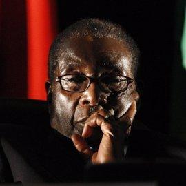 Líderes de la oposición en Zimbabue crean una alianza para evitar otro mandato de Mugabe