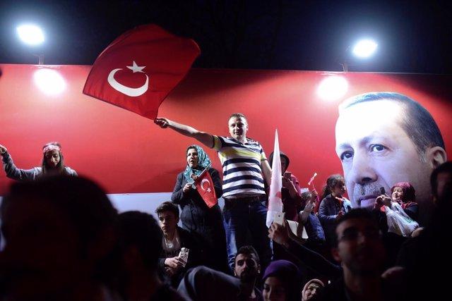 Seguidores de Erdogan en Estambul