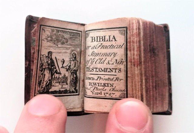 La Biblia más pequeña del mundo