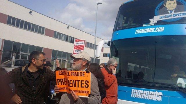 Monedero en el 'TramaBús' ante la sede de la Audiencia donde declara Aguirre