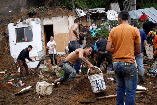 Desprendimiento de terreno en la localidad de Manizales