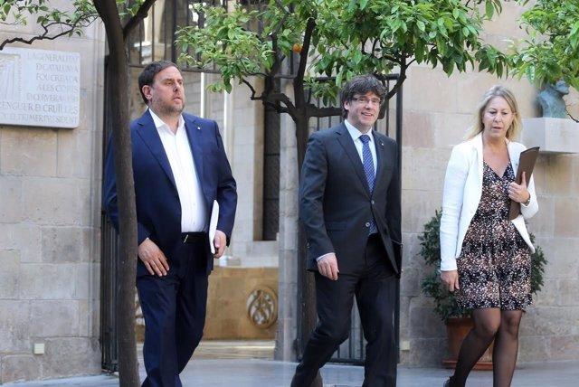 El vpte.O.Junqueras, el pte.C.Puigdemont y la consellera N.Munté.