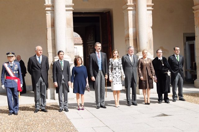 Foto de familia en la ceremonia de entrega del Premio Cervantes