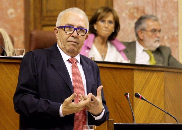 José Sánchez Maldonado, en el Pleno del Parlamento