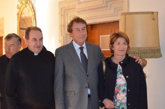 García Prieto, con traje gris, ejecercerá de síndico en Las Cabezadas de León