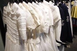Vestidos de primera comunión nuevos a menos de 80€ en tiendas de Cáritas Valencia y Koopera