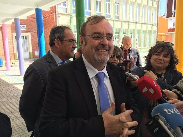 Burgos: Rey en su visita al colegio Villímar