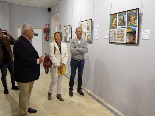 González Menorca visita exposición Quijote y Cervantes en tebeos