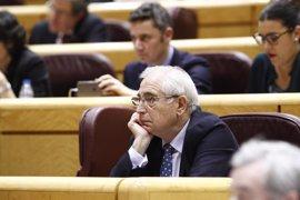 """ERC y PDeCat piden al Senado que tome cartas contra Imbroda por llamar """"piraos"""" a los independentistas catalanes"""