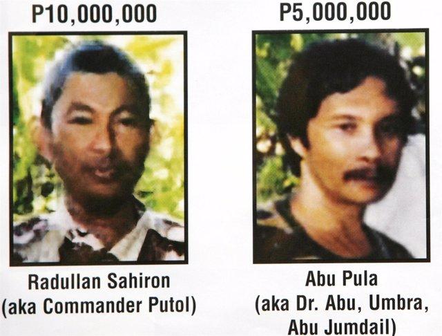 El líder de Abú Sayyaf Radullan Sahiron en un cartel de recompensa en 2007