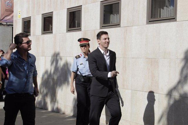 Leo Messi entra en los juzgados de Gavà