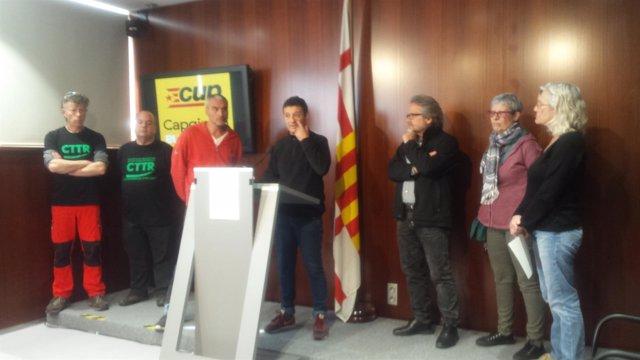 Maria José Lecha (CUP) con empleados de Siresa