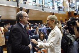 Oposición reprocha al PP la supuesta corrupción en el Canal en un pleno repleto de alusiones a la detención de González