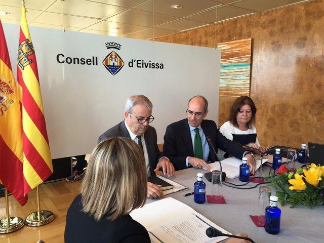 Javier Iglesias en la reunión de la FEMP en Ibiza.