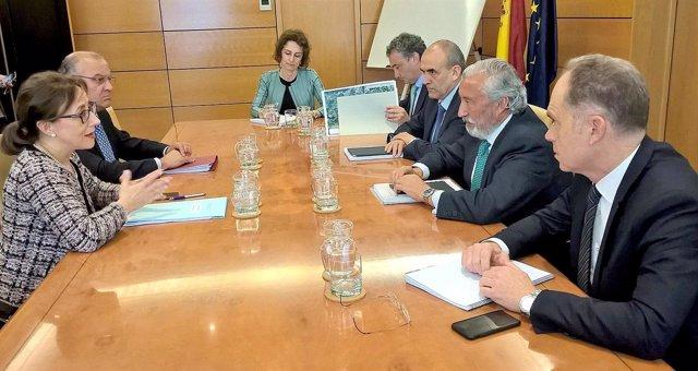 Np Y Foto Reunión Consejera De Infraestructuras Con El Secretario De Estado De I
