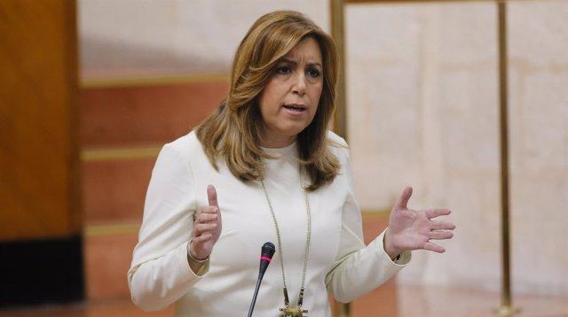 Susana Díaz responde a la oposición en el Parlamento andaluz