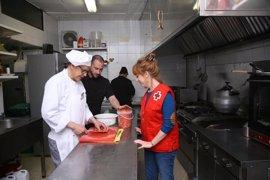 Unos 40 establecimientos hosteleros de Córdoba se alían con Cruz Roja en pos de la inserción laboral