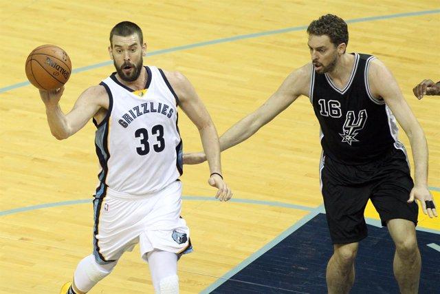 Pau y Marc Gasol en el Memphis Grizzlies - San Antonio Spurs
