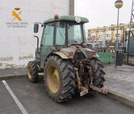 Detenida una persona por el robo de un tractor y maquinaria agrícola