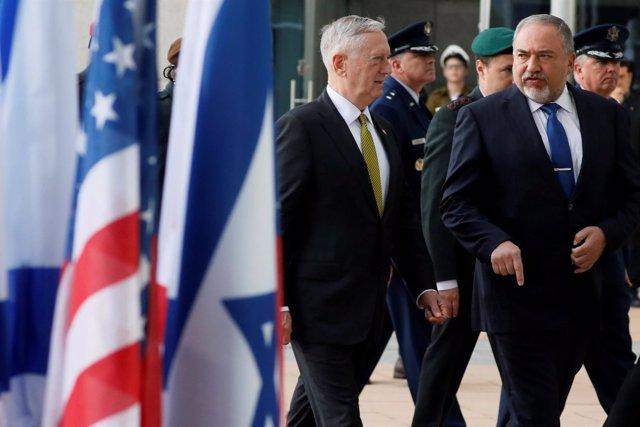 Avigdor Lieberman y James Mattis