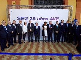 """Susana Díaz reivindica volver a apostar por la alta velocidad en Andalucía, que necesita """"una mirada justa y merecida"""""""