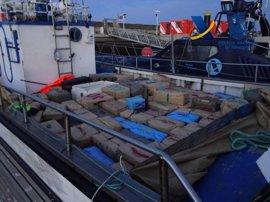 Intervenidos 3.400 kilos de hachís en el puerto de Mazagón en una operación con tres detenidos
