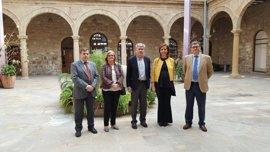 La Agencia Tributaria recibe en Andalucía más de 490.000 declaraciones de la renta de la campaña 2016