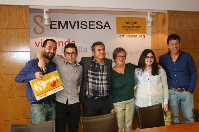 Entrega de viviendas de Emvisesa a Paz y Bien