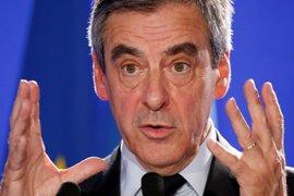 """Fillon promete combatir """"con mano de hierro"""" el terrorismo y mantener el cierre de fronteras"""