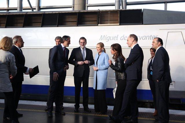 Rajoy se sube al mismo AVE que hizo el primer trayecto Madrid-Sevilla
