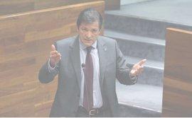 """Acusar al Principado de discriminar a la enseñanza concertada es """"una barbaridad"""", dice Javier Fernández"""