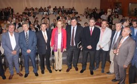 """La Junta anima al sector oleícola a aprovechar las """"circunstancias únicas"""" de esta campaña para reforzar su liderazgo"""