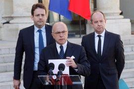 Cazeneuve arremete contra Le Pen y Fillon por sus declaraciones tras el atentado