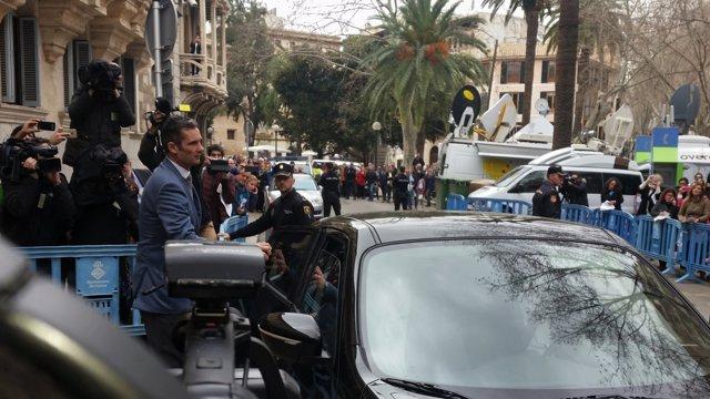Iñaki Urdangarin abandona l'Audiència després de la vista de mesures cautelars