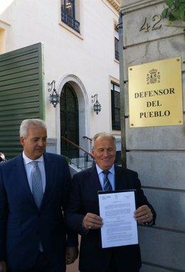 Josep Bou en la sede del Defensor del Pueblo